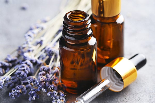 Lavender oil for chickenpox