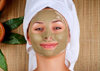 DIY bentonite clay face mask for acne free skin