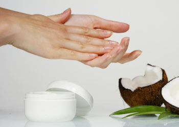 DIY homemade coconut oil for skin moisturizer