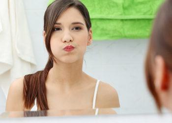 DIY minty clove mouthwash
