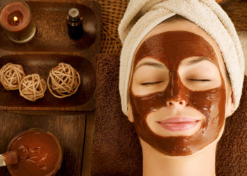 DIY homemade chocolate face mask
