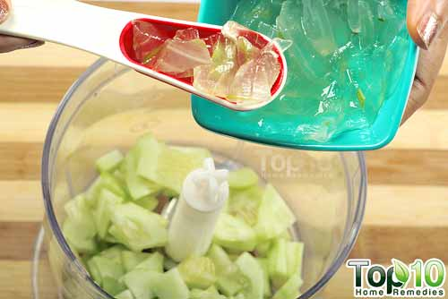 DIY cucumber antiaging mask step4