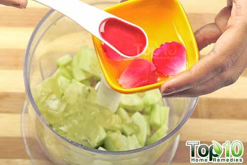 DIY cucumber antiaging mask step6