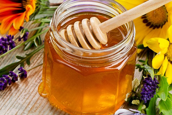 Honey to treat minor wounds