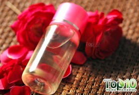 DIY Homemade Rose Water