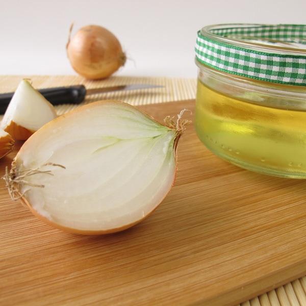 Homemade Remedy to Reduce Hair Loss Using Onion Juice ...