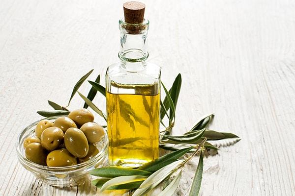 cara menghilangkan kutu rambut minyak zaitun