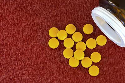 Vitamin B pills
