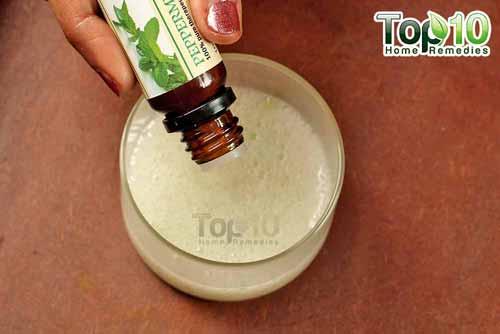 homemade coconut oil and aloe vera step5s