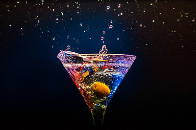 Colourful coctail alcohol-opt