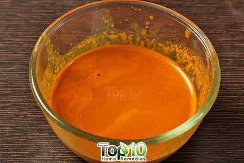 DIY turmeric juice extracted