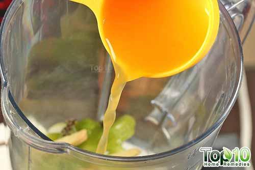 DIY aloe vera smoothie step 5