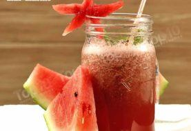 Refreshing and Hydrating Watermelon Smoothie to Beat the Summer Heat