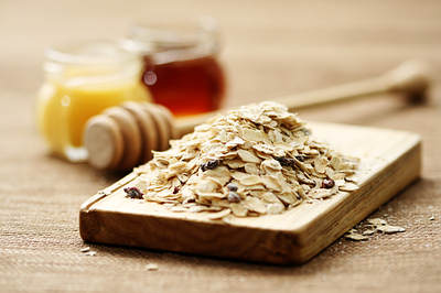oatmeal and honey for beauty
