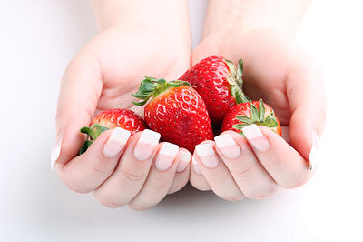 strawberries for nail growth
