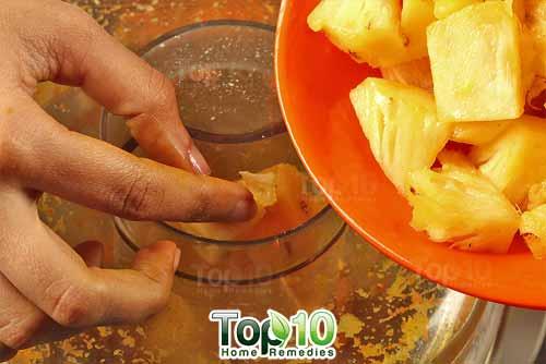 DIY arthritis juice recipe 1 pineapple