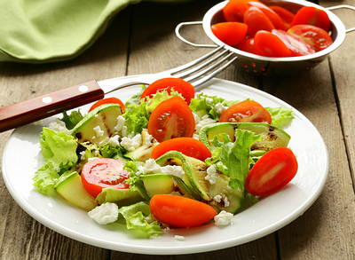 Salad-zucchini-with-tomatoes-and-cream-cheese-diet