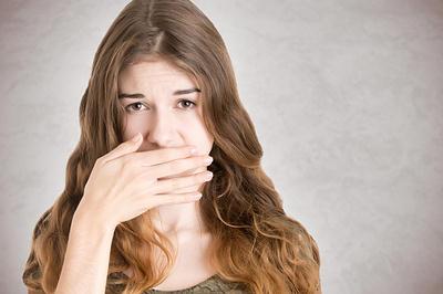 жуткий запах изо рта паразиты