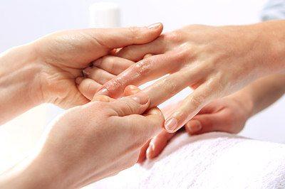 castor oil for brittle nails