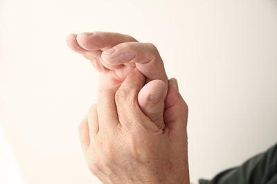 treat numb hands