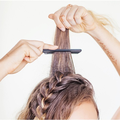 hair teasing