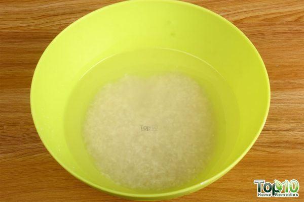 soak rice in water