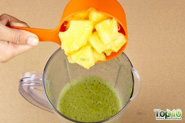Detox smoothie-add pineapple