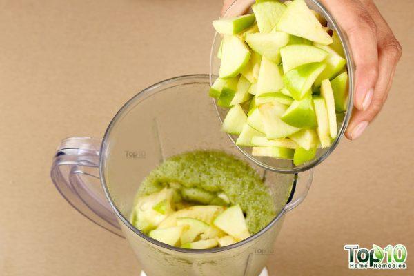 Detox smoothie-add green apple