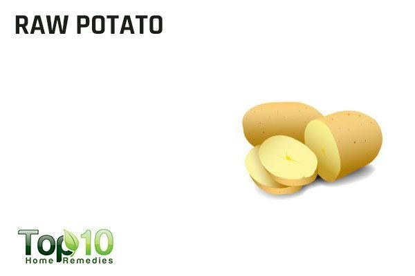 raw potato to remove splinters