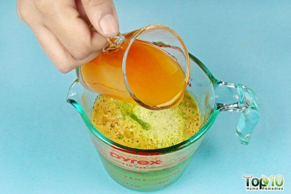 add orange juice in the green juice mixture