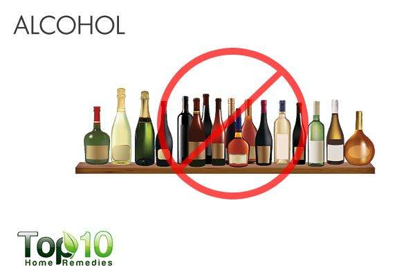 alcohol causes acid reflux