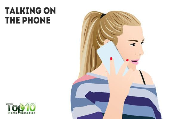 clogged skin pores due to talking on phone