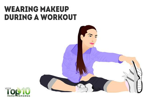 wearing makeup during workout clogs pores
