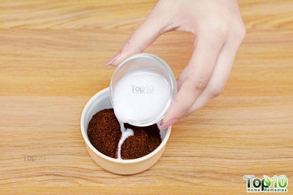 add coconut milk to make coffee face scrub