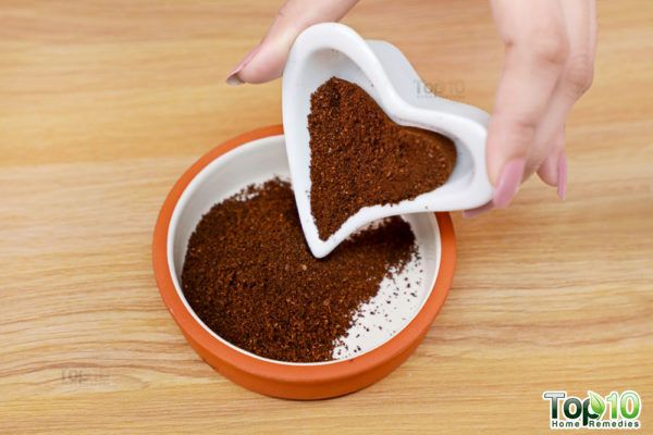 DIY coffee face scrub