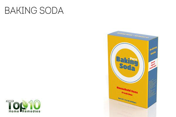 Baking soda to absorb excess sweat from hands