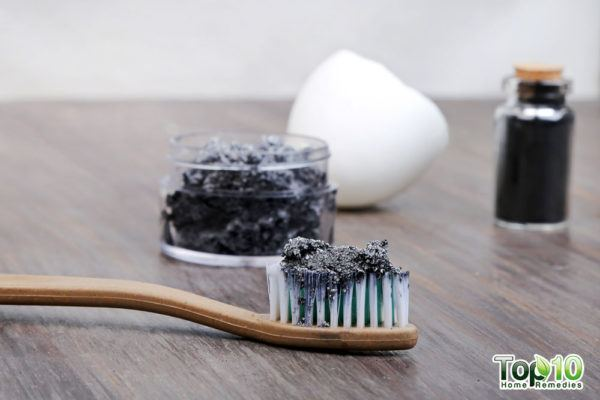 activated charcoal toothpaste homemade