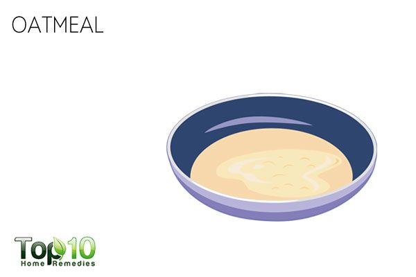 Apply oatmeal paste to heal and treat your dry scalp