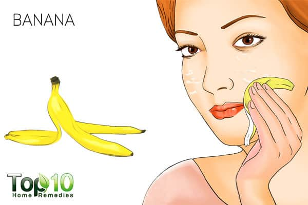 Use banana peel to treat peeling skin on face