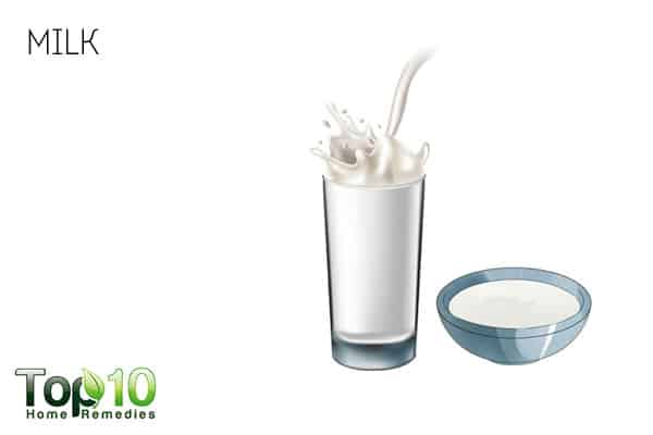Use milk to treat peeling skin on face