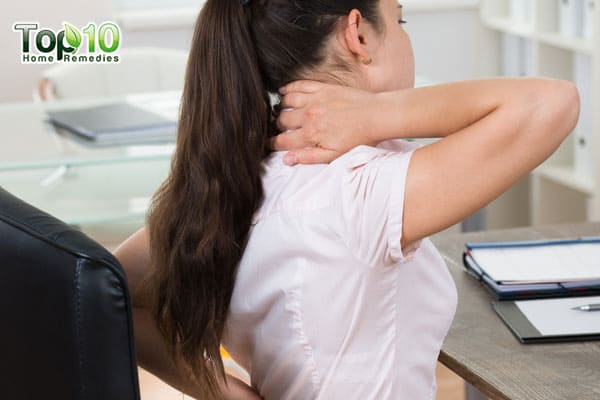 how to prevent or reduce shoulder pain at work