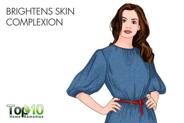 turmeric brightens skin complexion