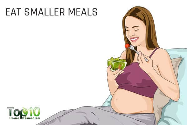 eat smaller but frequent meals during pregnancy to avoid constipation