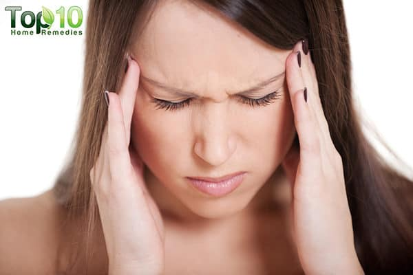 treat-migraine pains with essential oils