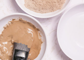 DIY bentonite clay hair mask