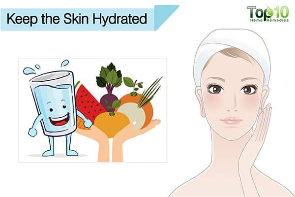 keep skin hydrated to treat a suntan on face