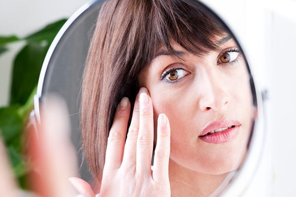 10 best essential oils to fight wrinkles age spots and signs of aging