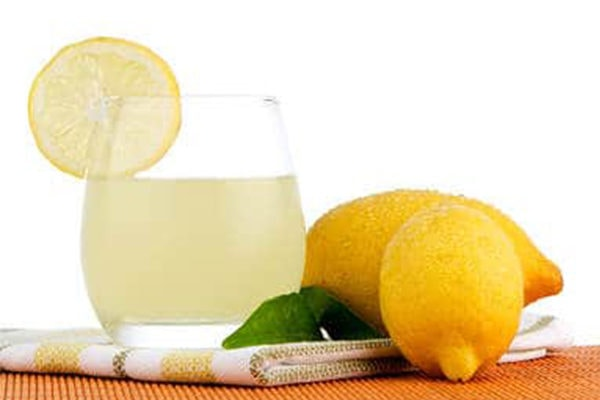 lemon juice to fight toenail fungus at home