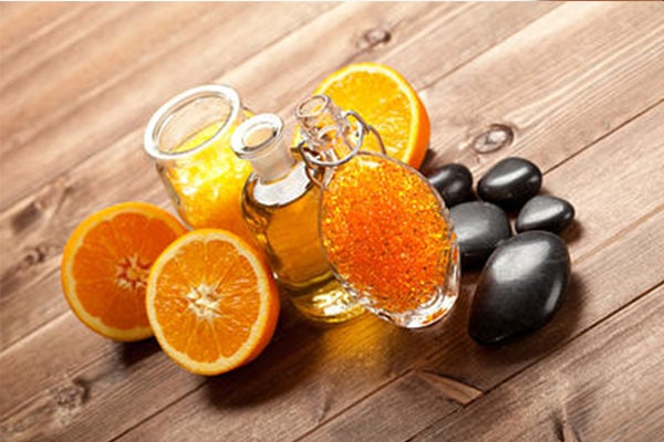 Orange oil to fight toenail fungus at home